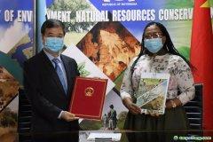 中国与博茨瓦纳签署应对气候变化南南合作文件 开启中博应对气候变化合作新篇章